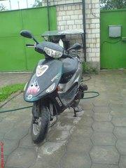 продам  4- тактный 1, 5-местный 80-см3 кубовый скутер!!!!!!!!!!!!!!!!!!
